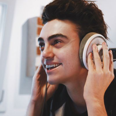 MICHELE BRAVI & SOPHIE AND THE GIANTS