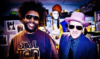 "Elvis Costello & The Roots: in uscita il 17 settembre per Blue Note Records l'album ""Wise Up Ghost"""