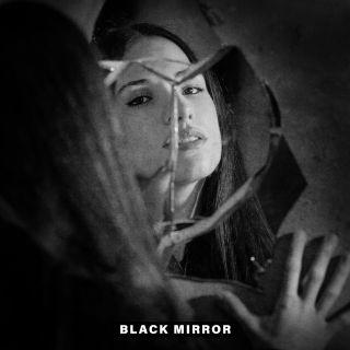 Paola Di Leo - Black Mirror (Radio Date: 14-01-2020)